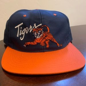 Vintage Tigers Embroidered Spellout Snapback Hat